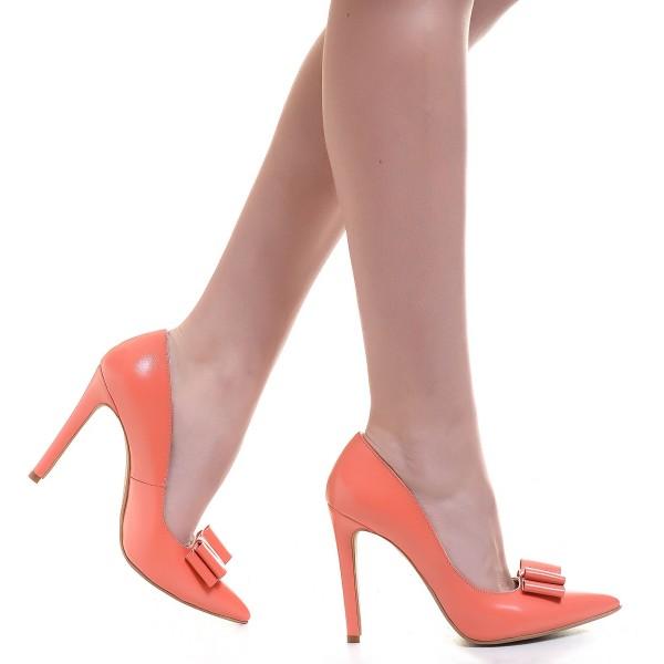 Pantofii comozi, ideali pentru job