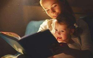 Universul copilariei in limba engleza. Carti fascinante pentru copii