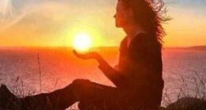 "O carte-fenomen: ""Terapie ezoterica prin hipnoza regresiva"" de Liana Armencea"